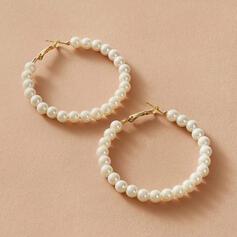 Simple Alliage De faux pearl avec Perle d'imitation Femmes Boucles d'oreilles 2 PCS