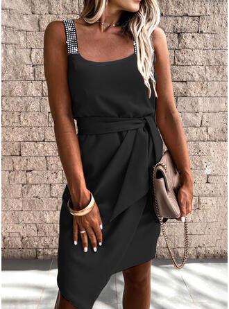 Paillettes/Couleur Unie Sans Manches Fourreau Longueur Genou Petites Robes Noires/Élégante Robes