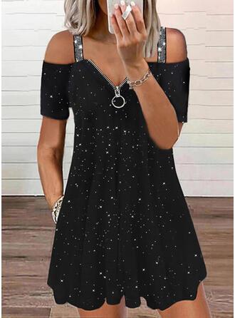 Imprimée/Paillettes Manches Courtes Droite Au-dessus Du Genou Petites Robes Noires/Décontractée Tunique Robes