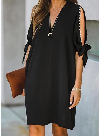Couleur Unie/Perlée Manches 1/2/Manches Fendues Droite Longueur Genou Petites Robes Noires/Élégante Robes