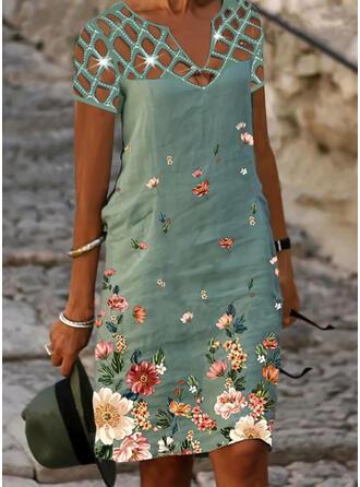 Imprimée/Paillettes/Fleurie Manches Courtes Droite Longueur Genou Décontractée/Vacances Tunique Robes